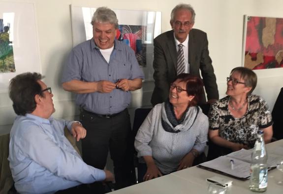 sitzend: Ulrich Schwarz, Bärbel Kehl-Maurer (LAG Selbsthilfe), Kirsten Ehrhardt (LAG BW gemeinsam leben-gemeinsam lernen), stehend: Hubert Wyrwich(Lernen fördern), Sönke Asmussen (KM)